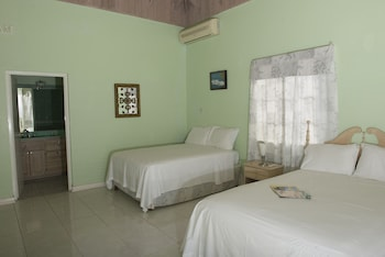 Room, 2 Queen Beds, Balcony, Ocean View