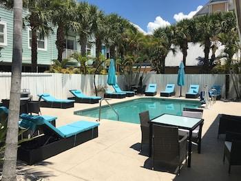 博尼塔海灘套房汽車旅館 Bonita Beach Inn and Suites