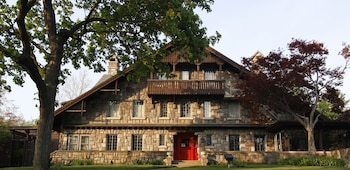 Stone Chalet Bed and Breakfast Inn and Event Center