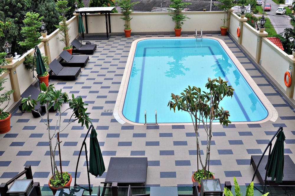 The Katerina Hotel In Batu Pahat Id90 Travel