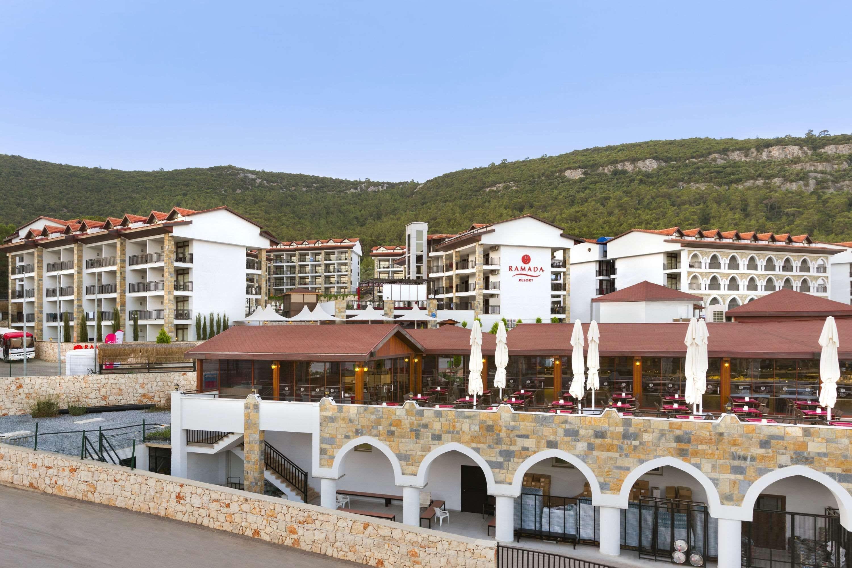 Ramada Resort Akbuk