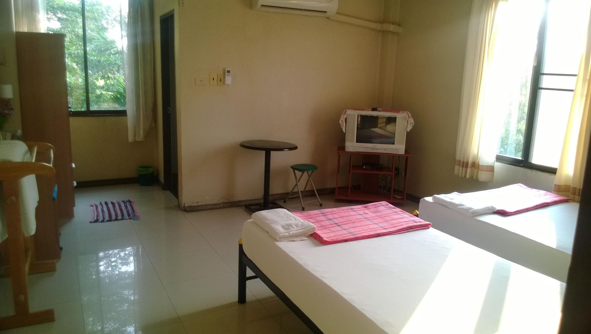 Phurahong Homestay, Bang Khen