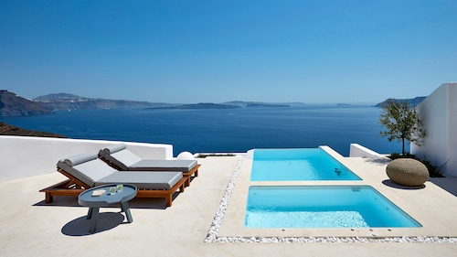 . Amaya Selection of Villas