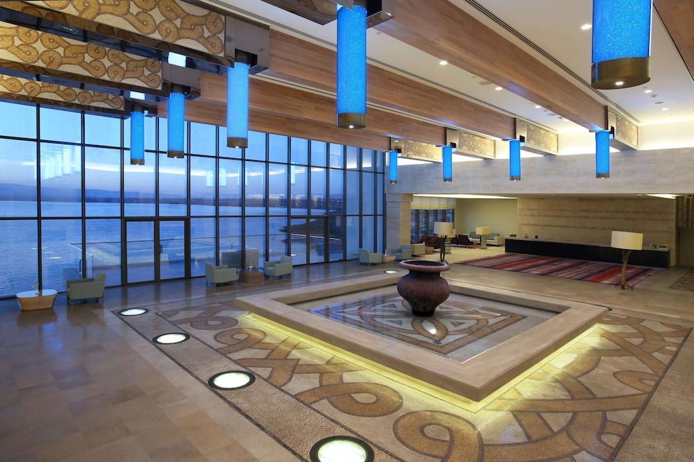 https://i.travelapi.com/hotels/9000000/8410000/8402000/8401907/687dc145_z.jpg