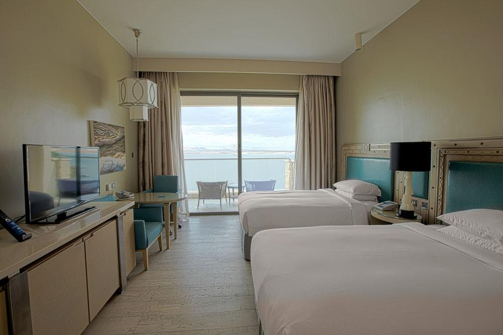 https://i.travelapi.com/hotels/9000000/8410000/8402000/8401907/8db3ad7f_z.jpg