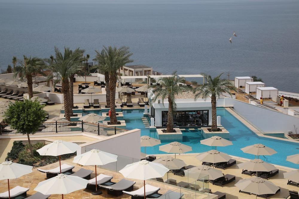 Inmuebles Están deprimidos Expulsar a  Hilton Dead Sea Resort & Spa | Qantas Hotels