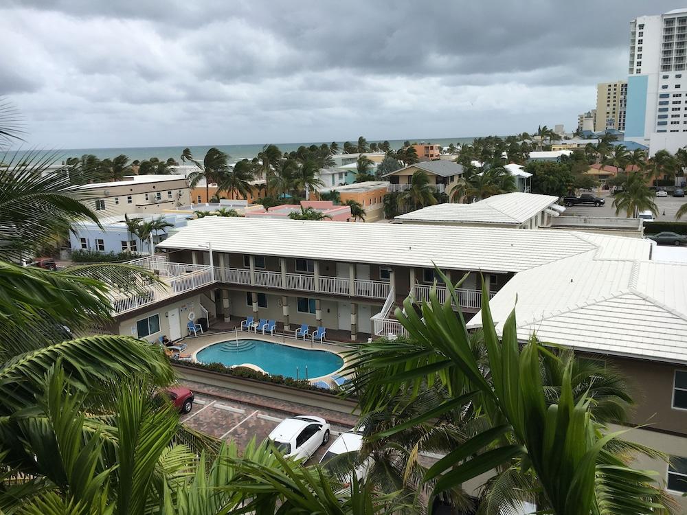 Caribbean Resort Suites 322 Garfield Street Hollywood Fl