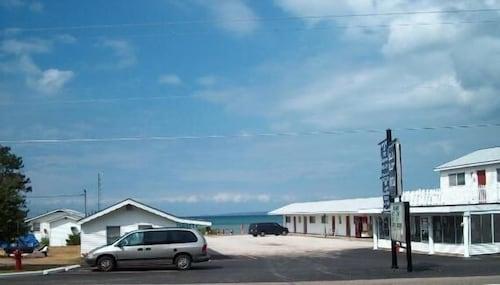 Bell's Melody Motel, Cheboygan