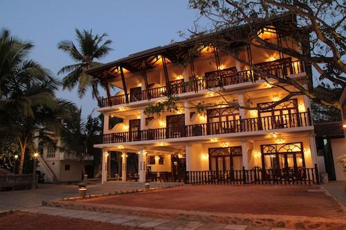 . Wunderbar Beach Hotel