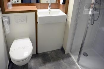 Campanile Belfort - Montbéliard - La Jonxion - Bathroom  - #0