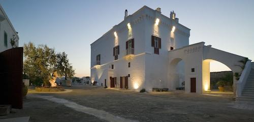 . Masseria Torre Coccaro