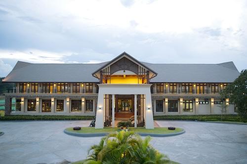 Emerald Palace Hotel, Naypyitaw