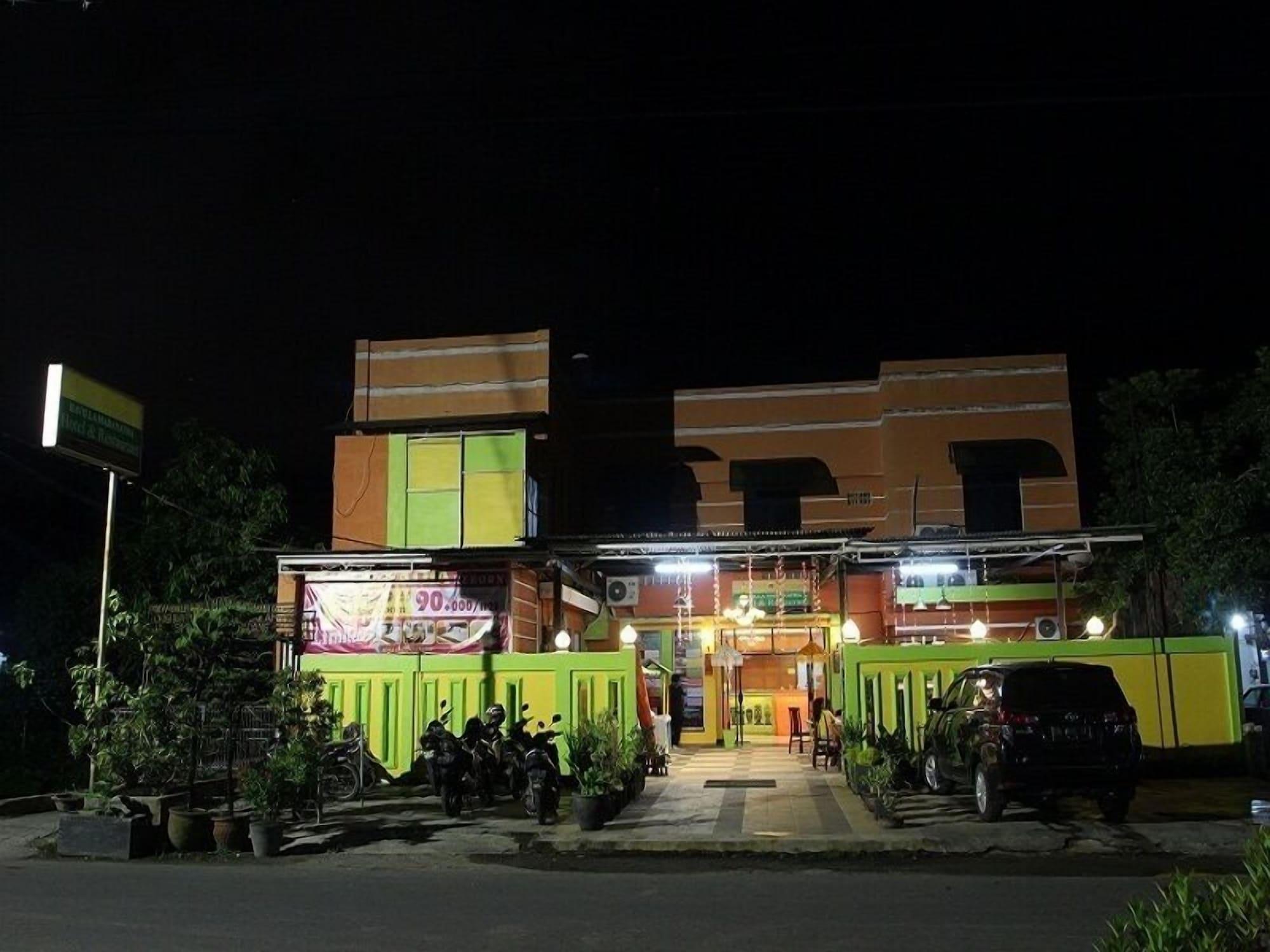 Havilla Maranatha, Padang
