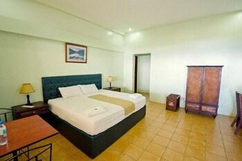 Danao Coco Palms Resort Cebu Guestroom