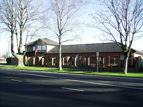 Albert Court Motor Lodge, Hamilton