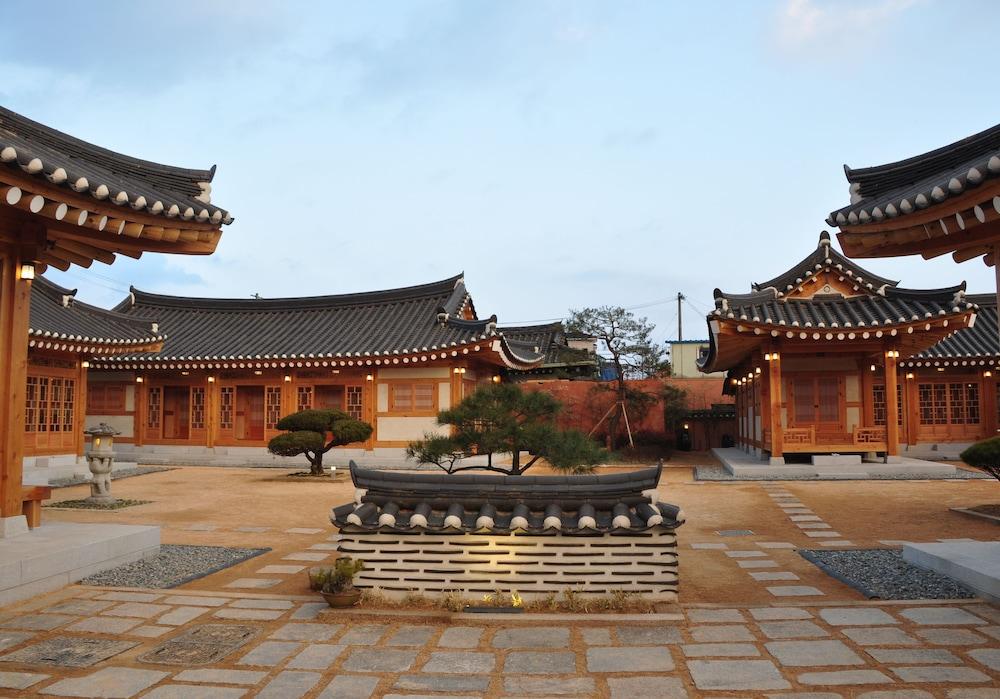 경주 한옥스테이 황남관 내부 정원