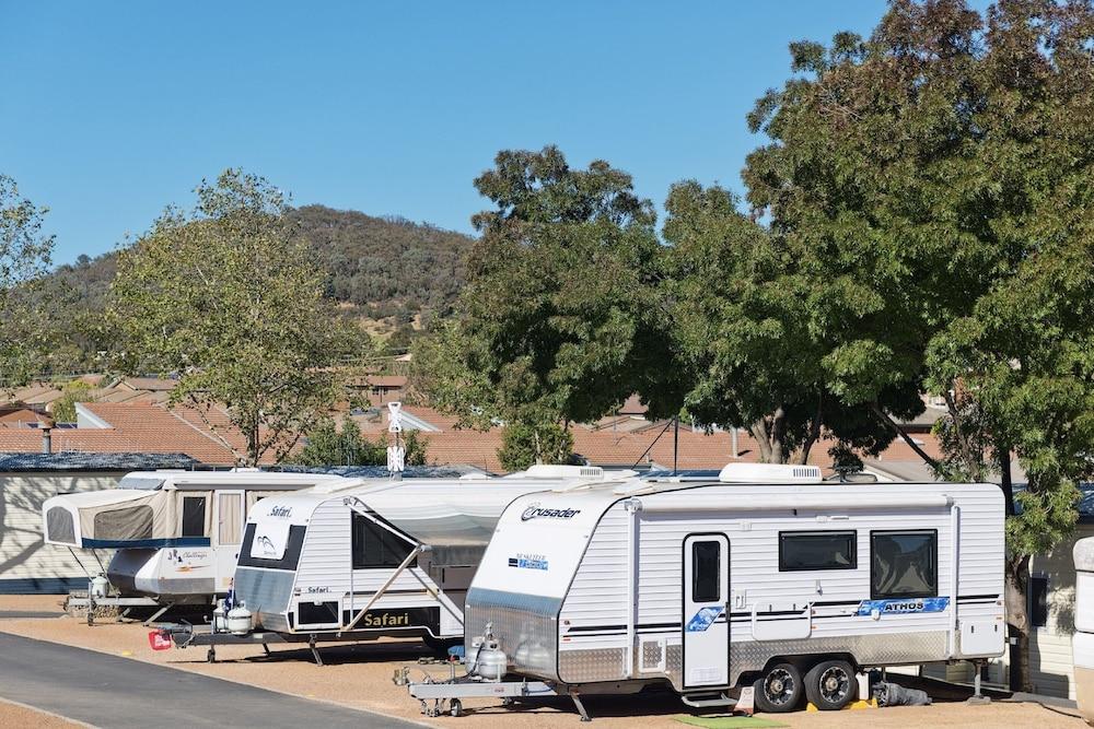 露營車或貨車停車位