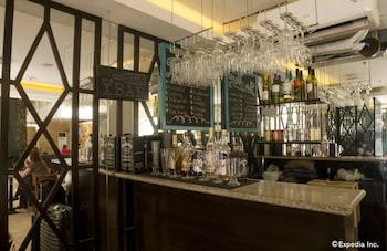 Regency Grand Suites Manila Hotel Bar