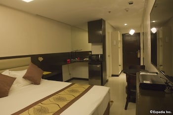 Regency Grand Suites Manila Guestroom