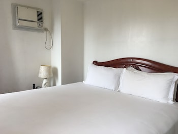 Regency Grand Suites Manila Guestroom