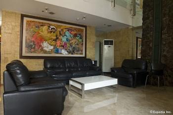 Regency Grand Suites Manila Lobby Sitting Area
