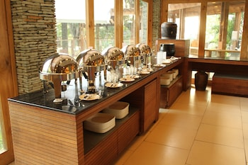 Panglao Island Nature Resort & Spa Buffet