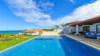 Villa, 3 Bedrooms, Beachside