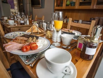 Farne Island Bed and Breakfast - Restaurant  - #0