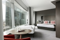THE LEVEL SUITE WITH TOUR EIFFEL VIEW (3 ADULTS)