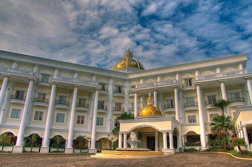 . Yasmin Resort & Conference Hotel