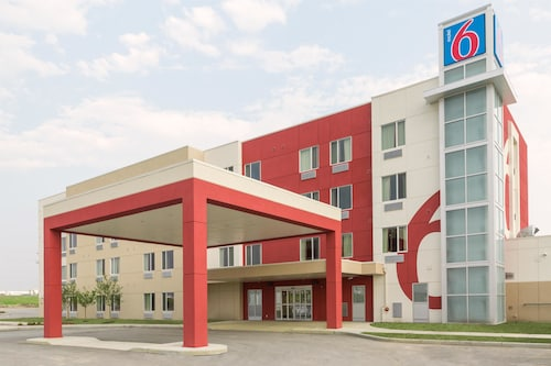 Motel 6 Airdrie, AB, Division No. 6