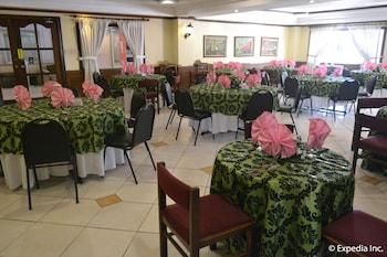 Tagaytay Country Hotel Restaurant