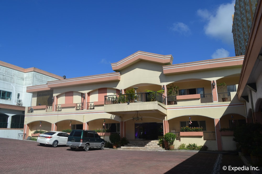 タガイタイ カントリー ホテル