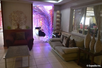 Tagaytay Country Hotel Lobby Sitting Area