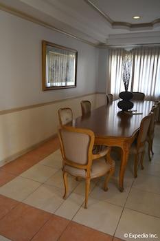 Tagaytay Country Hotel Hotel Interior