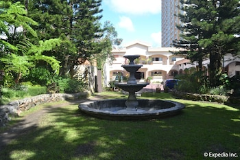 Tagaytay Country Hotel Fountain