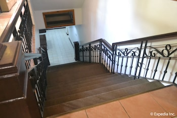 Tagaytay Country Hotel Staircase