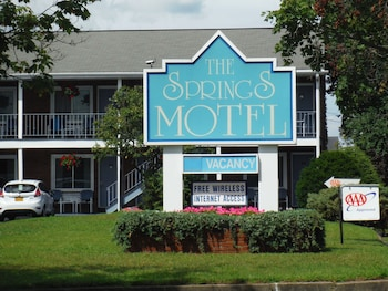 Hotel - The Springs Motel