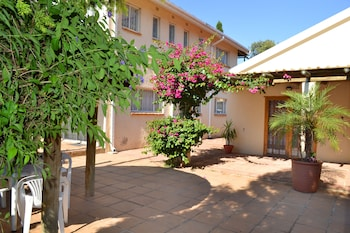 Hotel - Dove's Nest Guest House