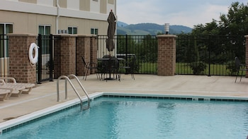 Hotel - Holiday Inn Express & Suites Lebanon