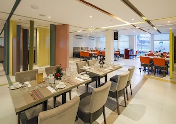 Microtel by Wyndham UP Techno Hub Dining