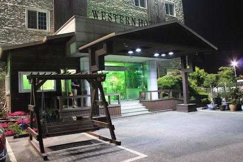. Western Hotel