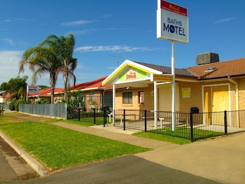 Baths Motel