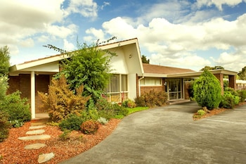 博士山汽車旅館 Box Hill Motel