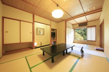 Japanese Room with Half Board, Japanese futon, Smoking