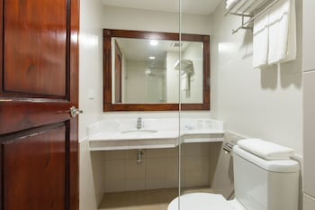 Mj Hotel & Suites Cebu Bathroom
