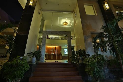Sunny Hotel 1, Ba Đình