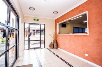 Reception at Darra Motel and Conference Centre in Darra