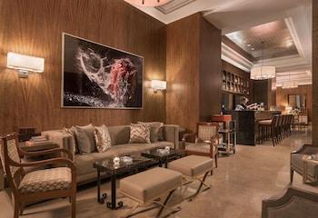 Discovery Primea Makati Bar