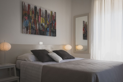 . Minturnae Hotel
